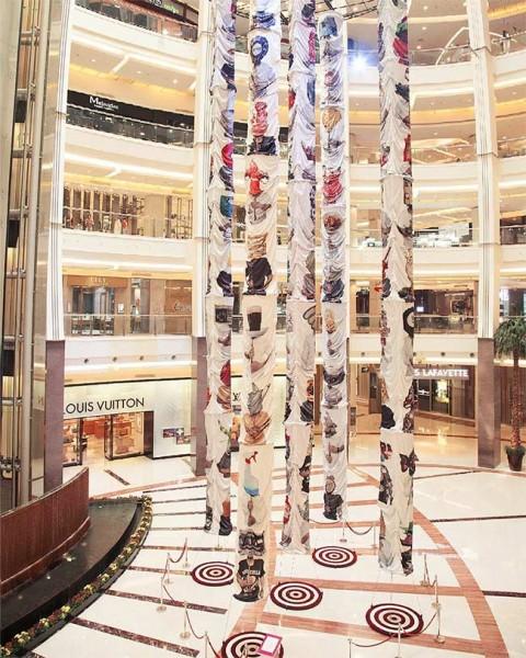 Karya Instalasi indieguerillas di Pacific Place Jakarta | Harper's Bazaar