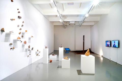 "Mizuma Conversations | Zen Teh on ""Mountain Pass: Negotiating Ambivalence"""