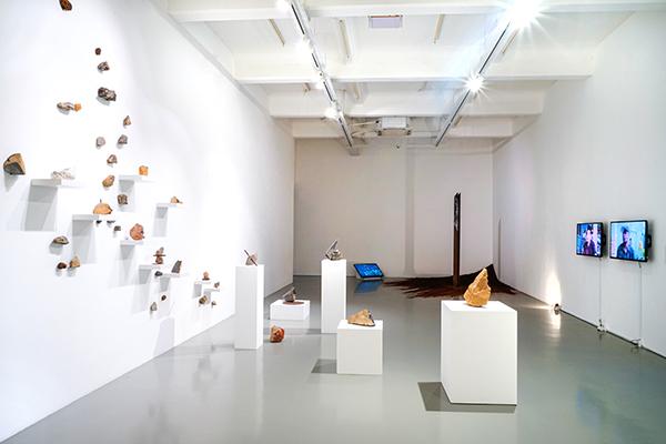 Mizuma Conversations Zen Teh On Mountain Pass Negotiating Ambivalence Mizuma Gallery