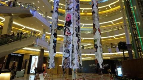 Instalasi Raksasa indieguerillas Hiasi Pacific Place Jakarta | DetikHot